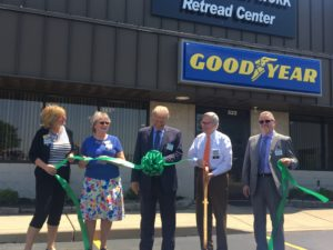 TravelCenters of America REtread Plant Bowling GReen ribbon cutting