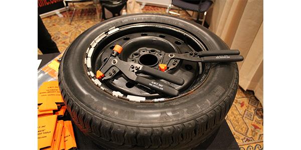 uwt-wheel-weight-pliers-